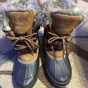 Totes Duck Winter Boots